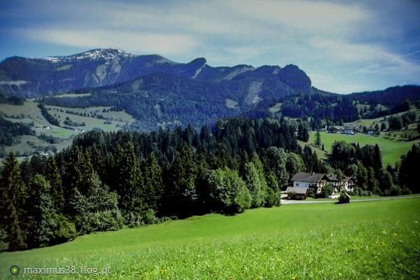 https://s27.flog.pl/media/foto_middle/12954036_tyrolski-landschaft.jpg