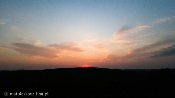 https://s27.flog.pl/media/foto_middle/13075557_sunset-21032019.jpg